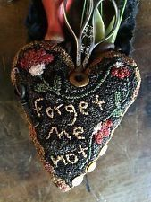 Really want excellent helpful hints regarding arts and crafts? Head to this fantastic site! Valentines Day Hearts, Valentine Heart, Hook Punch, Wool Applique, Applique Quilts, Punch Needle Patterns, Rug Hooking Patterns, Penny Rugs, Punch Art