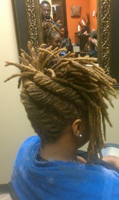 These dynamic loc updos are reinterpreted to include French Rolls, retro pompadours, high buns, cross hatched strands, flat twists and Goddess braids. Dreads Styles, Dreadlock Styles, Updo Styles, Curly Hair Styles, Dreadlock Hairstyles, African American Hairstyles, Cool Hairstyles, Braided Hairstyles, Black Hairstyles
