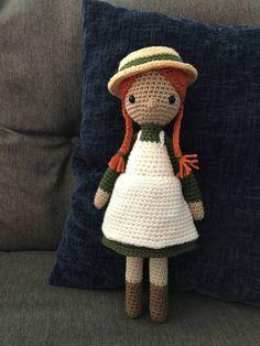 Its Anne with an E! Little girl stuffed doll based on Anne of Green Gables. Cute Crochet, Crochet Dolls, Crochet Baby, Anne Shirley, Amigurumi Free, Amigurumi Doll, Anne With An E, Doll Head, Girl Dolls