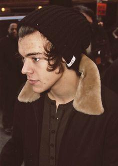 Harry Styles Harry Imagines, One Direction Imagines, One Direction Pictures, Quotes By Famous People, People Quotes, Harry Styles Images, Drawing Quotes, Boy Photos, Harry Edward Styles