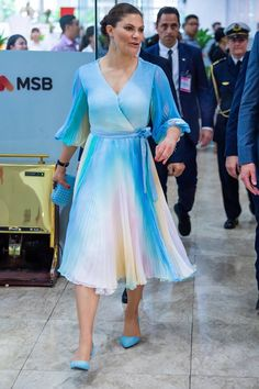 8 May 2019 - Working visit to Vietnam (day Ho-Chi-Minh-City, meeting and dinner with Mayor Nguyen Thanh Phong Beauty And Fashion, Fashion Looks, Royal Fashion, Princess Victoria Of Sweden, Crown Princess Victoria, Princesa Victoria, Queen Silvia, Luisa Beccaria, Swedish Royals