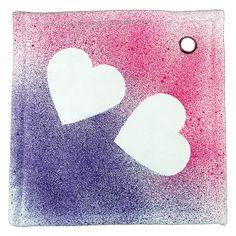 Spray-tekstiilivärien avulla koristeltu patalappu on kaunis ja hyödyllinen lahja!