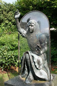 Alice Through the Looking Glass by Jeanne Argent, on the grounds of Guildford Castle, Surrey.