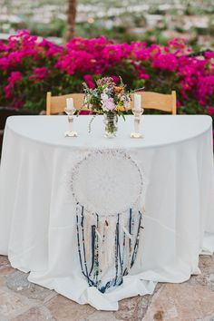 bohemian sweetheart table - photo by eplove http://ruffledblog.com/modern-boho-wedding-in-palm-springs #boho #sweethearttable