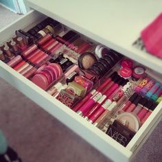 If I ever get a chance to renovate my bathroom there will be shallow drawers like this to organize makeup.