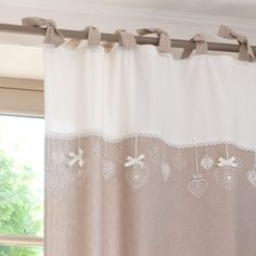 Tenda beige in cotone con laccetti cm Hearty Kids Curtains, Linen Curtains, Curtains With Blinds, Valance Curtains, Deep Closet, Custom Shades, Curtain Designs, Window Coverings, Soft Furnishings