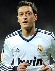Mesut Ozil signed by Arsenal!