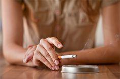 Como tirar cheiro de cigarro dos ambientes. 6 truques para você se livrar de vez do odor que o cigarro deixa na casa e no carro.