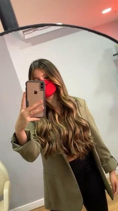 Long Brown Hair, Long Wavy Hair, Light Brown Hair, Pelo Color Caramelo, Cabelo Ombre Hair, Red Hair With Highlights, Perfect Hair Color, Brown Hair Balayage, Caramel Hair
