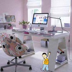 Despacho para profesores. Muebles grandes y cómodos para trabajar en el despacho.