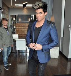Vidéo - Adam Lambert à Montréal - Entrevue à son hôtel | HollywoodPQ.com