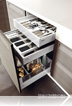 lack of storage space in small kitchens is a serious problem. creative ideas with you for a small kitchen storage space. Clever Kitchen Storage, Kitchen Storage Solutions, Modern Kitchen Cabinets, Kitchen Cabinet Organization, Kitchen Cabinet Design, Creative Storage, Wall Organization, Organization Ideas, Home Decor Kitchen