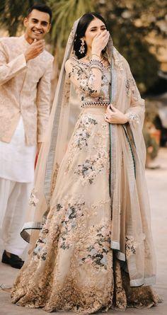 Asian Bridal Dresses, Simple Pakistani Dresses, Asian Wedding Dress, Pakistani Wedding Outfits, Pakistani Dress Design, Bridal Outfits, Indian Bridal Lehenga, Pakistani Bridal Dresses, Shadi Dresses