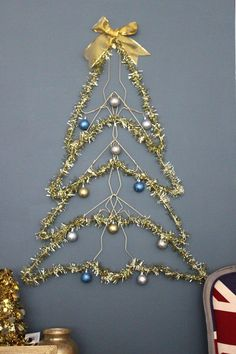how to make a spiral hanging christmas tree