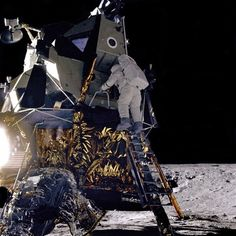 "Alan Bean Descends Intrepid Alan L. Bean, Lunar Module pilot for the Apollo 12 mission, starts down the ladder of the Lunar Module (LM) ""Intrepid"" to join astronaut Charles Conrad, Jr. Apollo Moon Missions, Nasa Missions, Apollo Space Program, Nasa Space Program, Cosmos, Apollo 11, Apollo Nasa, Apollo Spacecraft, Nasa Photos"