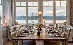 "Se fler bilder ifrån huset       New England hus A2912  ""Alla familjer Dining Rooms, New England, Table Decorations, Furniture, Design, Home Decor, Pictures, Decoration Home, Dining Room Suites"