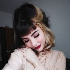 Two-Color-Hair Best Short Hair Color Ideas and Trends for Gi.- Two-Color-Hair Best Short Hair Color Ideas and Trends for Girls - Two Color Hair, Bob Hair Color, Hair Color Streaks, Brown Hair Colors, Hair Highlights, Light Pink Hair, Cool Short Hairstyles, Bob Hairstyles, Fashion Hairstyles
