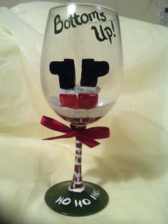 Hand painted wine glasses, Wine Glass, Holiday Wine Glass, Bottoms up santa Cote Cote Helm Wine Glass Crafts, Wine Craft, Wine Bottle Crafts, Wine Bottles, Noel Christmas, Diy Christmas Gifts, Christmas Projects, Holiday Crafts, Holiday Fun