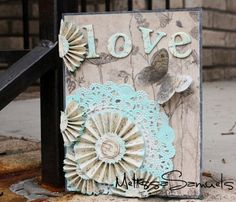 Love the idea of the rosette flower on the doily #scrapbook #flowers #papercrafts