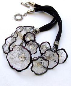 Statement Lampwork Necklace Flower Caps by silviaizkovich on Etsy Bottle Jewelry, Glass Jewelry, Glass Beads, Beaded Jewelry, Jewelry Necklaces, Jewellery, Plastic Bottle Crafts, Plastic Jewelry, Recycled Jewelry