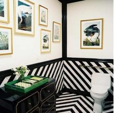 Hollywood Regency Bathroom design ideas and photos to inspire your next home decor project or remodel. Check out Hollywood Regency Bathroom photo galleries full of ideas for your home, apartment or office. Tuile Chevron, Chevron Tile, Chevron Patterns, Black And White Interior, Black And White Tiles, Black White, Black Trim, Black Gold, White Art