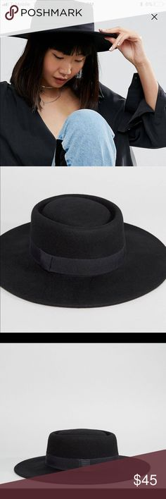 ASOS Wide brimmed felt boater hat Black Wide brimmed felt boater hat. One size - adjusts to fit between 54cm and 58cm head circumference ASOS Accessories Hats