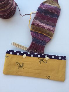 Double Pointed Knitting Needle Cozy - Crochet Hook Holder - DPN Pouch - Needle Cozy - Needle pouch - Sock Knitting Holder - Sock knitting by LowlandOriginals on Etsy Double Pointed Knitting Needles, Sock Knitting, Knitted Bags, Travelers Notebook, Crochet Hooks, Crochet Projects, Pouch, Cozy, Fabric