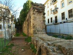 Restos de la muralla musulmana en la calle Santo Domingo Savio de Córdoba #cordoba #barriosanlorenzo #muralla #épocamusulmana #conocecordobaconmigo #visitasguiadas San Rafael, Saints, Temple, Hospitals, Santo Domingo