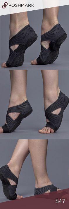 8553435873 WMNS Nike Studio Wrap 4 Size 8 100% Authentic! Ds Brand New!