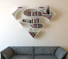 Prateleiras de livros em forma de símbolos de super-heróis - limaonagua