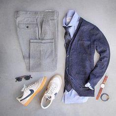 Muito interessante o contraste de estilos nesse look, o sneaker dá um fator suropresa ao look, incrível!