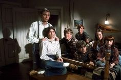 """Waltons, The"" Richard Thomas (John, Jr., ""John Boy""), Judy Norton Taylor (Mary Ellen), Jon Walmsley (Jason), David Harper (James Robert, ""Jim Bob""), Eric Scott (Ben), Mary Beth McDonnough (Erin), Kami Cotlrer (Elizabeth), 1975 CBS (Waltons, 1971-1979)"