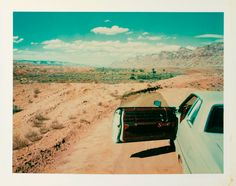 Wim Wenders ha fatto anche polaroid - Il Post Wim Wenders Valley of the Gods, Utah, 1977 © Wim Wenders Courtesy Deutsches Filminstitut Frankfurt a. Wim Wenders Film, Polaroid Pictures, Polaroids, Sun Tzu, Mental Training, The Lost World, Road Trip Usa, The New Yorker, Film Photography