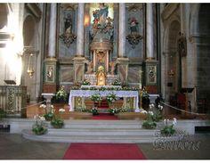 Iglesia de San Francisco (Santiago de Compostela) - decoración floral boda por Floristería Embora)