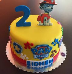 No photo description available. Pretty Birthday Cakes, 2 Birthday Cake, 3rd Birthday Parties, Paw Patrol Birthday Theme, Paw Patrol Party, Pastel Paw Patrol, Torta Paw Patrol, Cupcake Cakes, Cupcakes