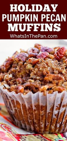 Holiday Pumpkin Pecan Muffins with Cinnamon Sugar Crumble Topping - Best Holiday Recipes - Zucchini Muffins, Muffins Blueberry, Mini Muffins, Blueberries Muffins, Bran Muffins, Just Desserts, Delicious Desserts, Dessert Recipes, Yummy Food