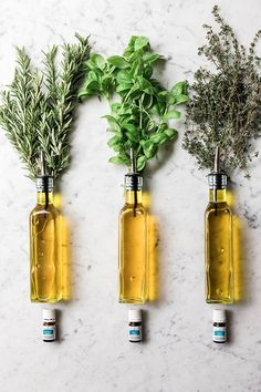 Cooking With Essential Oils, Thyme Essential Oil, Young Living Essential Oils, Essential Oil Blends, Flavored Olive Oil, Flavored Oils, Infused Oils, Olive Oil Pasta, Olives