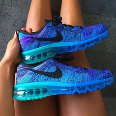 I truly love the Ombre effect the colors have on the shoe!!!