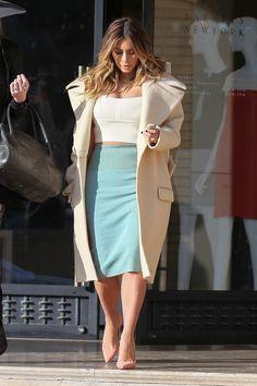 Kim Kardashian Photos - Kim Kardashian Enjoys a Shopping Day — Part 3 - Zimbio
