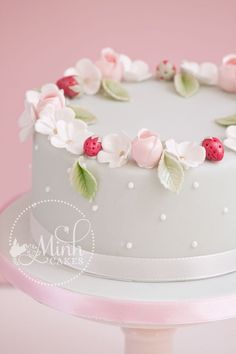 Sweet Round Little Cake With Rosebuds Apple Blossoms And Sugar Strawberries Rosebud Technique Learned From Cotton Amp Crumbs Sweet round...