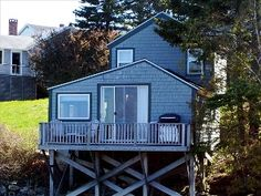 Maine Shorefront Cottage