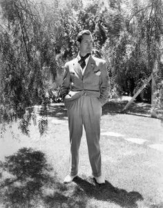 Robert Montgomery Hollywood Images, Golden Age Of Hollywood, Classic Hollywood, Robert Montgomery, Elizabeth Montgomery, Old Movie Stars, Robert Smith, Paul Newman, Handsome Actors