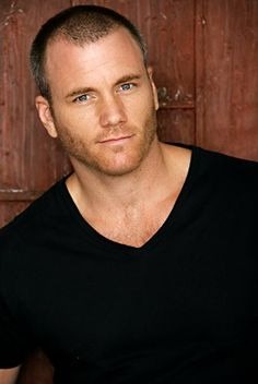 """Dr. Ben """"Stitch"""" Rayburn (Sean Carrigan) on Young and the Restless"""