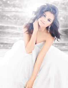 Love this picture of Selena, the lighting is perfect and the dress is super pretty