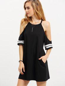 Halbarm Kleid schluterfrei mit Taschen und Streifen an den Ärmeln