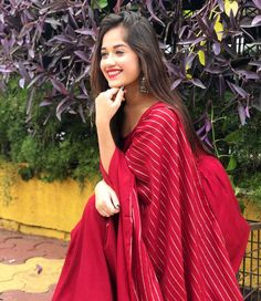 Jannat Zubair Rahmani looks flawless in red saree, Check out latest photo - The Indian Wire Stylish Girl Images, Stylish Girl Pic, Stylish Kids, Bollywood Images, Cute Girl Poses, Red Saree, Girl Photography Poses, Modeling Photography, How To Pose