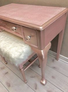 Shabby Chic Table And Chairs Refferal: 3461195783 Girl Dresser, Girl Desk, Pink Furniture, Painted Furniture, Painted Desks, Desk Makeover, Furniture Makeover, Mixed Dining Chairs, Pink Vanity