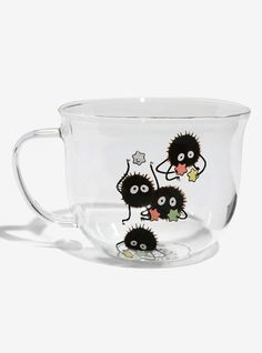 Brighten up your kitchen or office with this cute soot sprite glass mug! Inspired by the little fuzzy dust bunnies and their star-shaped treats seen in My Neighbor Totoro and Spirited Away. It's a beverage-lover essential for any Studio Ghibli fan. Diy Anime, Anime Art, Spirited Away Soot Sprites, Spirited Away Art, Spirited Away Wallpaper, Spirited Away Tattoo, Totoro Merchandise, Studio Ghibli Spirited Away, Studio Ghibli Art