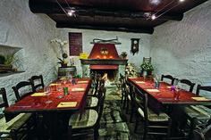Les 10 meilleurs grotti d'Ascona-Locarno | GaultMillau – Channel Winter Destinations, Honeymoon Destinations, Table En Granit, Switzerland Travel Guide, Les Cascades, Beaux Villages, Zermatt, Swiss Alps, Le Moulin