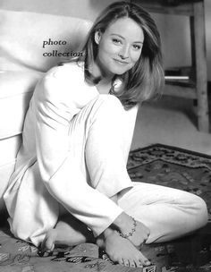 Jodie Foster Jodie Foster Young, Photos Of Women, Female Photos, Hollywood Star, Music Film, Celebrity Feet, Sexy Feet, The Fosters, Movie Stars